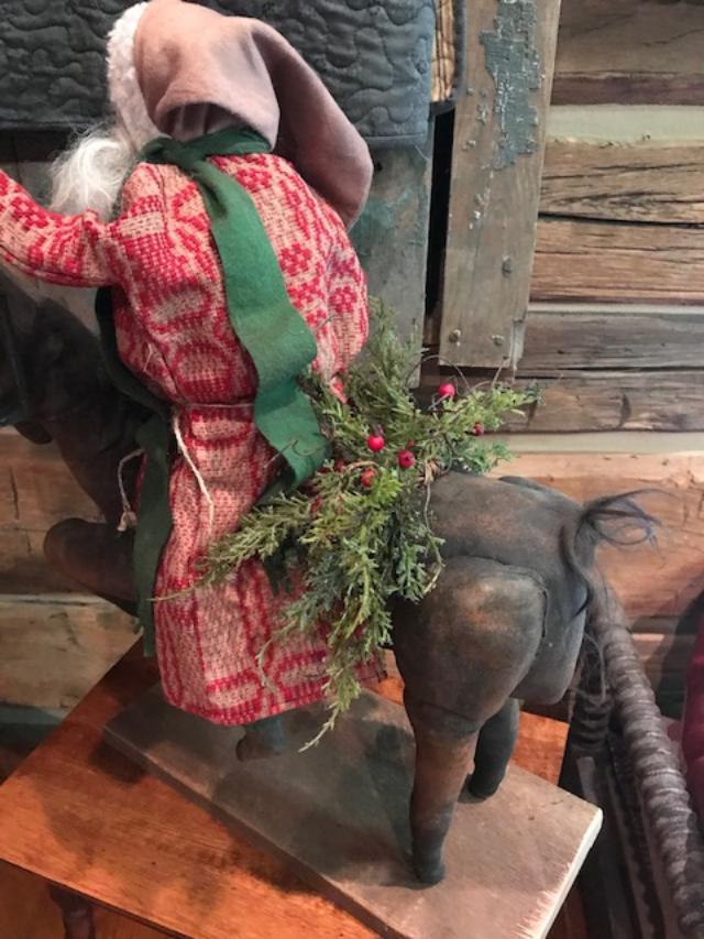 #CF ST HRS wsprig CF Santa Riding Horse w/sprig